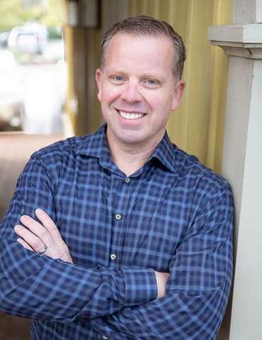 Dr. Tim Edwards
